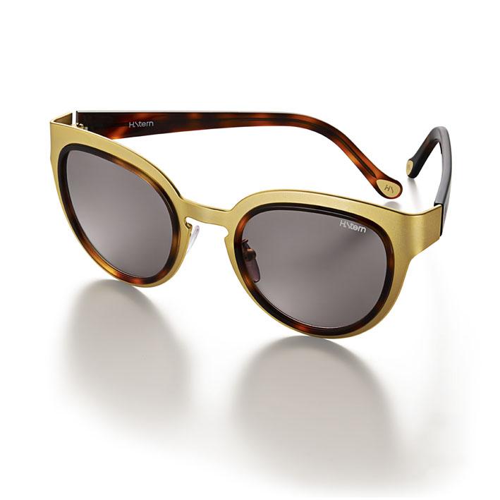 Óculos inspirados em joias trazem detalhes preciosos
