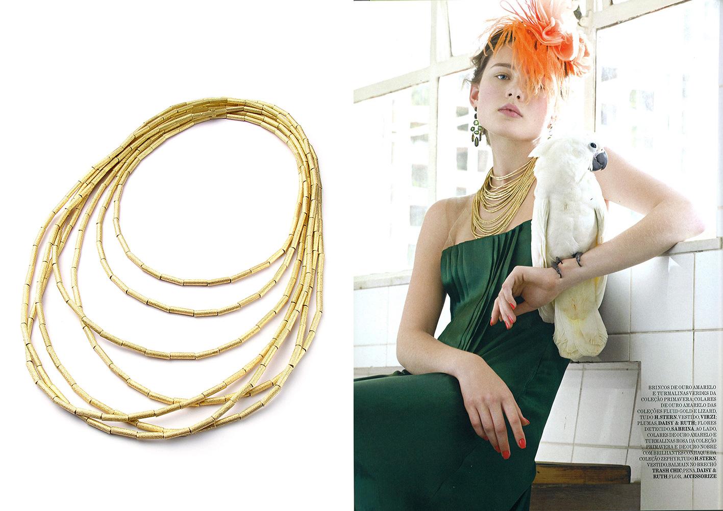 O colar Fluid Gold de ouro amarelo texturizado fica lindo