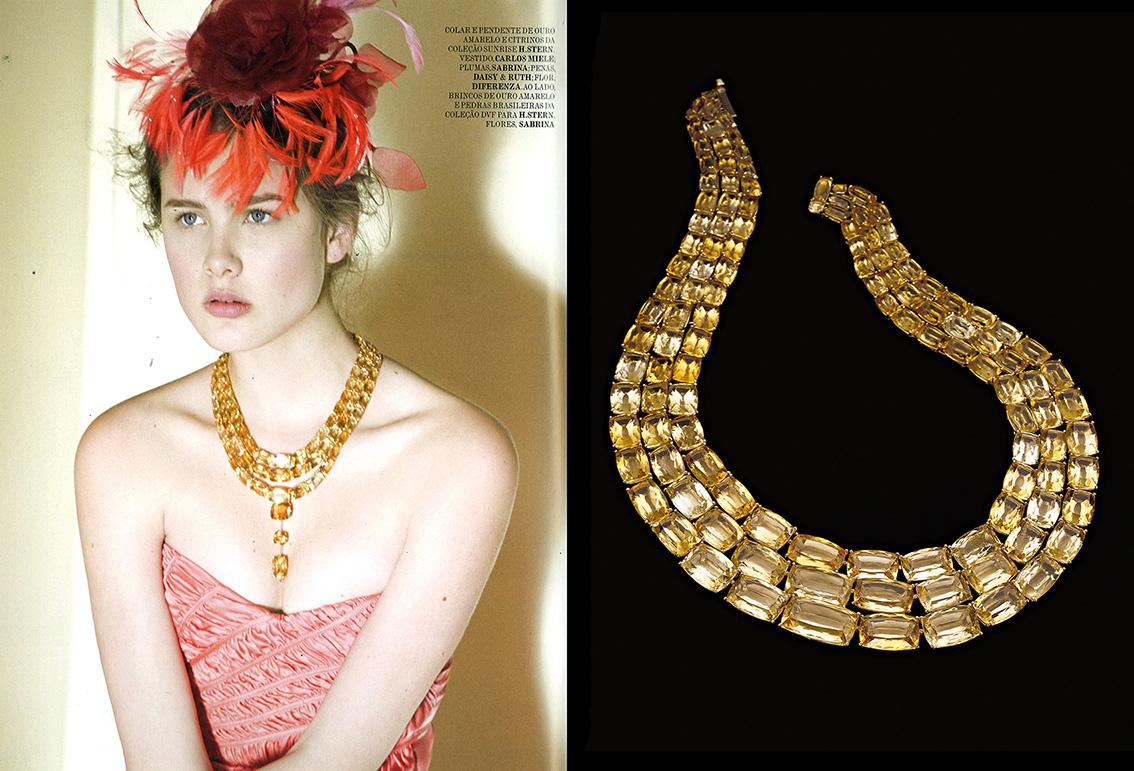 O colar Sunrise de três voltas + pendente iluminou o visual da modelo neste editorial da Vogue, não acham?