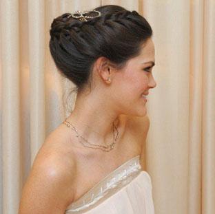 Noivas: dicas de cabelos & joias para o grande dia