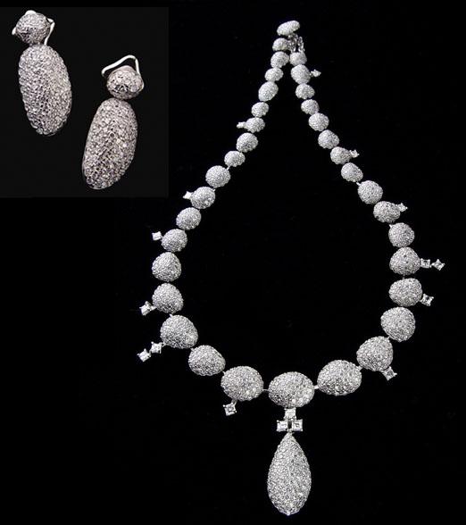 Pedras Roladas - colar e bcos diamantes