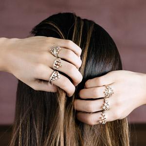 Os anéis delicados estão em alta