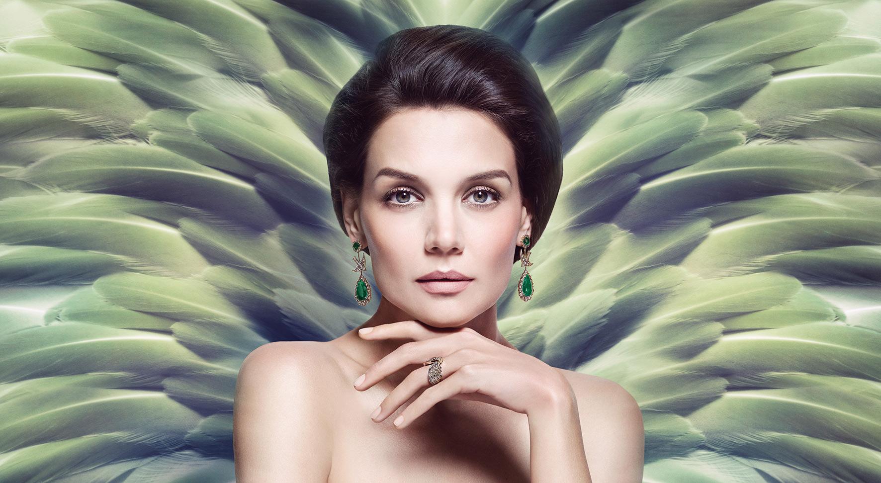 Katie Holmes com brincos de esmeraldas Rock Fall