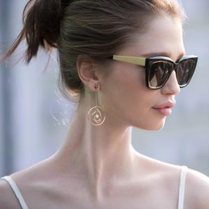Novos óculos H.Stern aliam modernidade e sofisticação