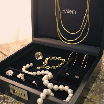 Sete peças para montar seu porta-joias essencial